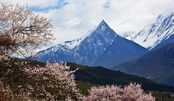 桃花沟,雪山下的震憾